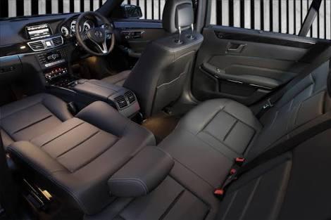 INSIDE 4 SEATS LUXURY SEDAN MERCEDES ECLASS